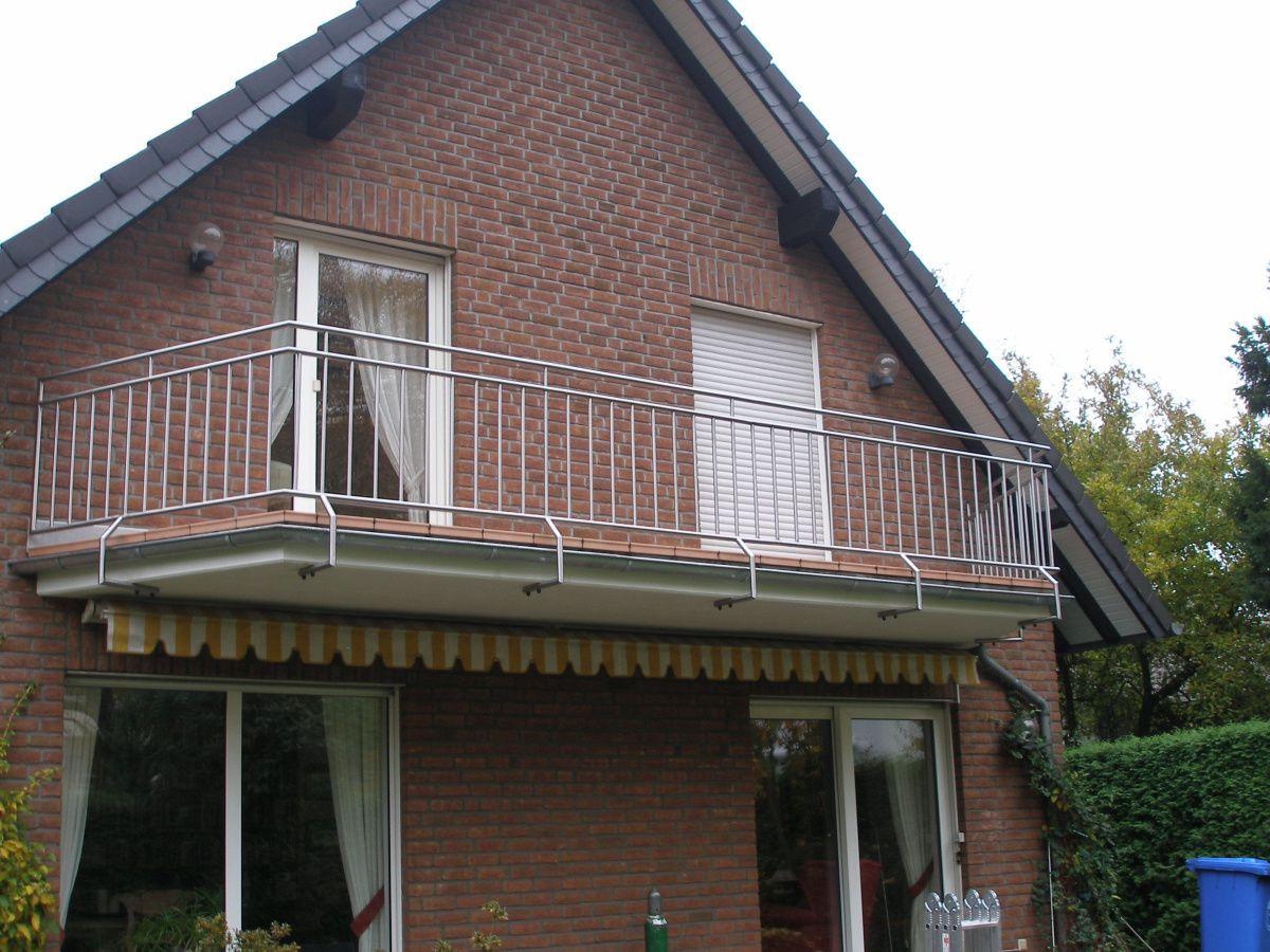 Balkongeländer Und Balkonsanierung Durch Metall In Form Barwig